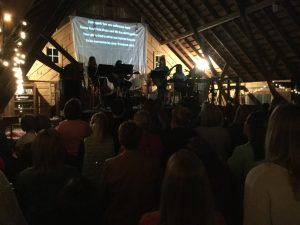 worship-in-the-barn-1