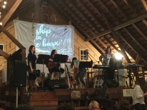 worship-in-the-barn-3