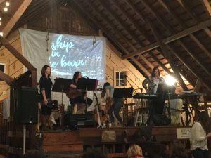 worship-in-the-barn-3